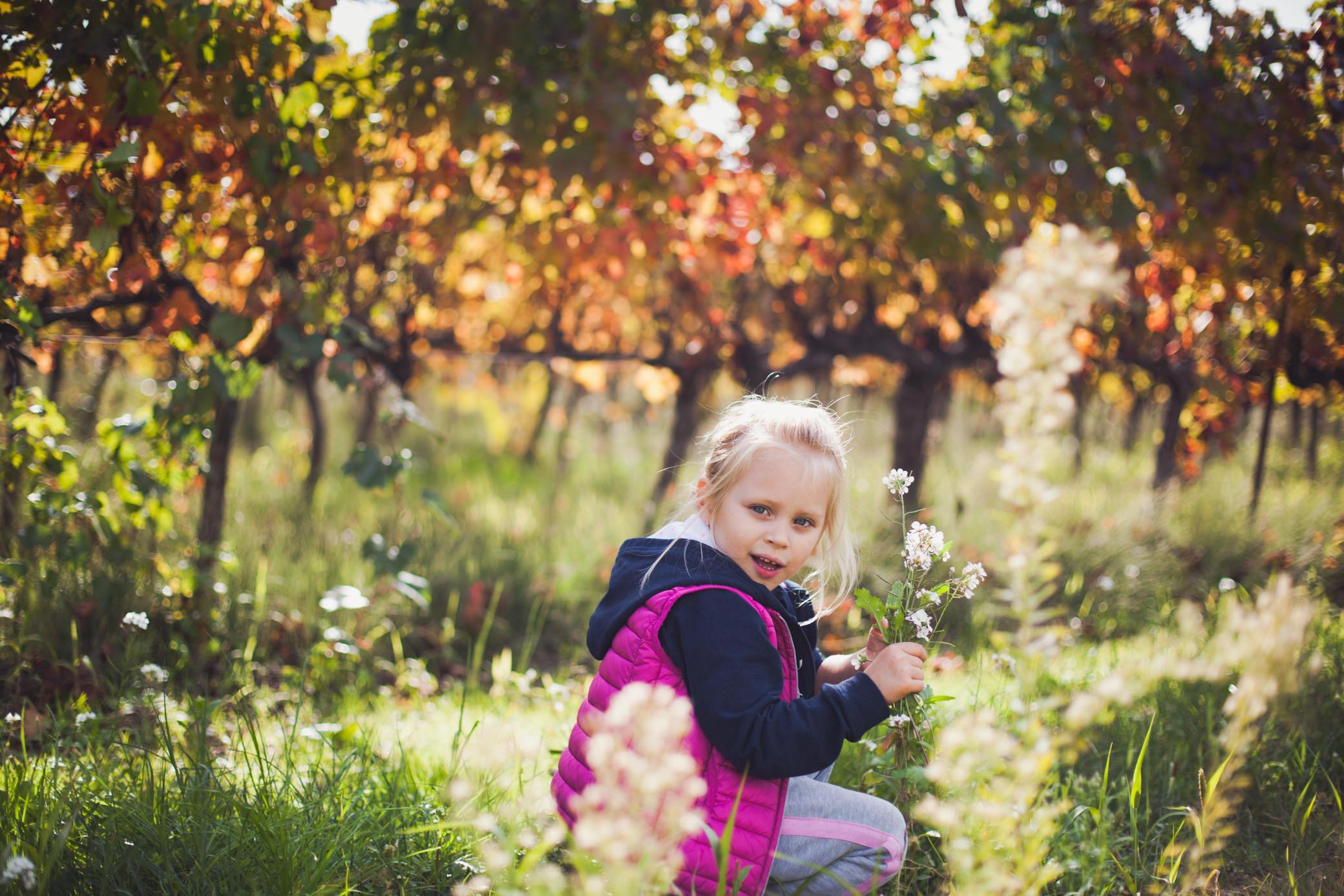 fille-fleurs-automne-3